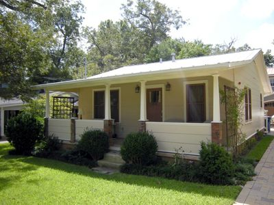 Photo for Tranquil Zilker bungalow in 78704