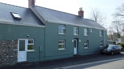 Photo for House in Pembroke with Internet, Parking, Garden, Washing machine (689853)