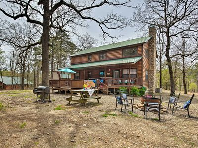 Photo for 3BR Cabin Vacation Rental in Broken Bow, Oklahoma