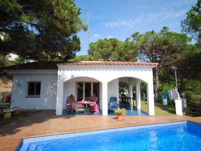 Photo for Peaceful Villa in Canyelles with Swimming Pool