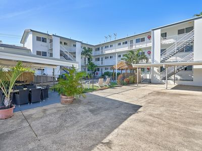 Photo for Two Bedroom Apartment in Trinity Beach