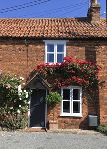 Photo for Comfortable Early Victorian Cottage, Full Gas Central Heating with WiFi