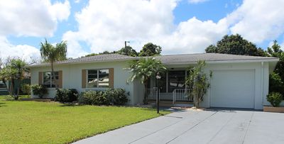 Photo for Beautiful Vacation Heated Pool Home, Bradenton, 8 miles to Anna Maria Beaches