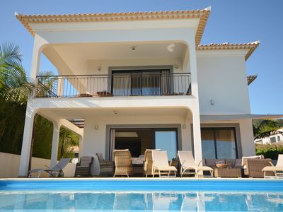 Photo for 17 ° West, Lux. Inf. Pool Villa, 5 min. To the sandy beach, WLAN