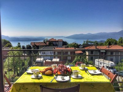Photo for Apartment Cinzia with lake view in Arizzano