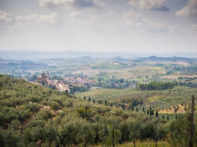 Photo for Apartment in the heart of the Tuscan countryside