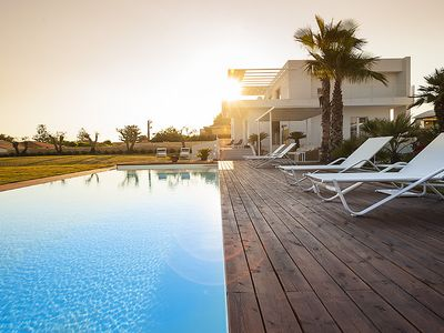 Photo for Villa with private swimming pool and jacuzzi in a splendid sea front position