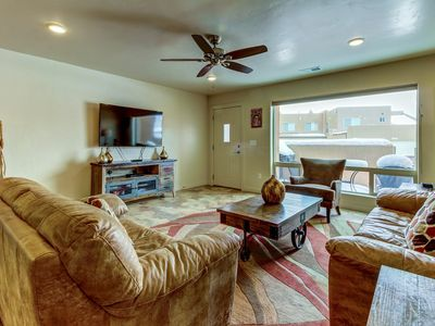 Photo for Spacious townhome w/ shared seasonal pool & hot tub - great location!
