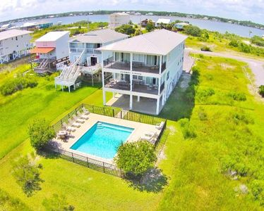 Photo for Elevator & Private Pool, Lots of Space, Gulfview 'Southern Surprise'