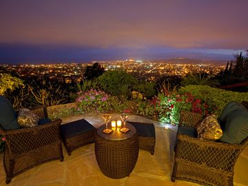 Riviera Retreat - Expansive Views and Family Comfort