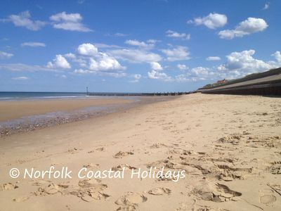 "Photo for ""Tides"" Seaside home,dog friendly,in a peaceful park in Bacton,by the sea,wi-fi"