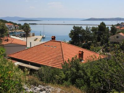 Photo for Four bedroom apartment with terrace and sea view Zaglav (Dugi otok)