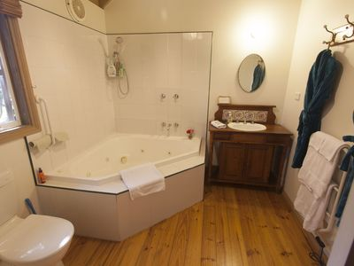 Photo for stand alone fully self contained spa cottage which accommodates 2 people
