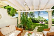 Beachfront Fathom's End with lush garden, plunge pool & private beach path