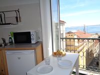 Cut apartment in Alfama with a view