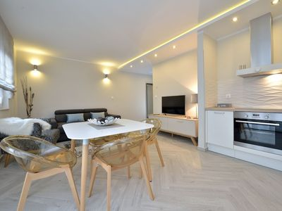 Photo for 158 m from the center of Zadar with Internet, Air conditioning, Parking, Terrace (740064)