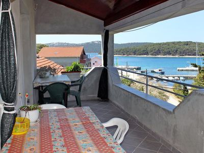 Photo for One bedroom apartment with terrace and sea view Brgulje (Molat)