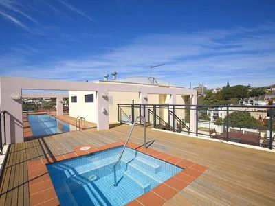 Photo for Perfectly Located Apt. + Rooftop Pool and Spa