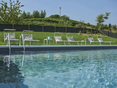 Photo for Villa dei Fiori - Hilltop, stunning view, swimming pool, relax among vines