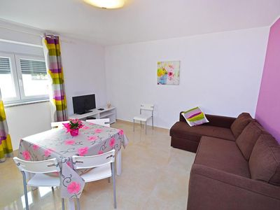 Photo for Modern and bright Iris Rosa accommodation for 6, near the center of Umag, terrace