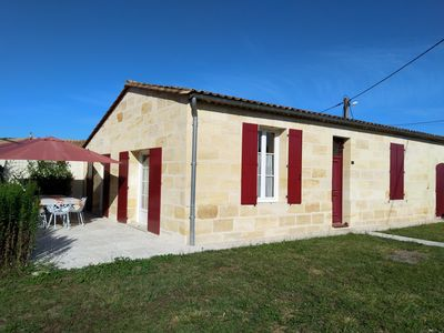 Photo for Cottage house in Médoc