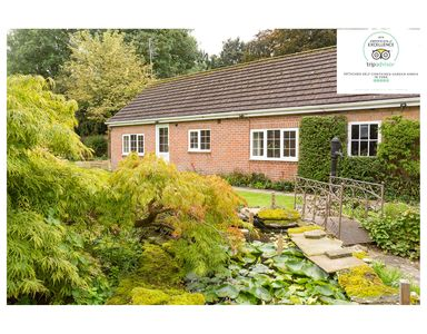 Photo for Detached self-contained Garden Annex with off-street parking and own patio area