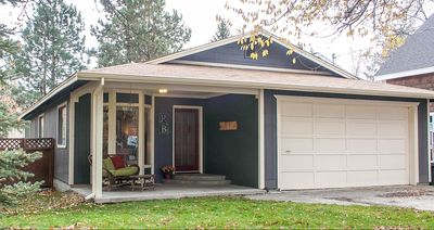 Welcome to RiverBend Bungalow on the riverfront of the Deschutes River!