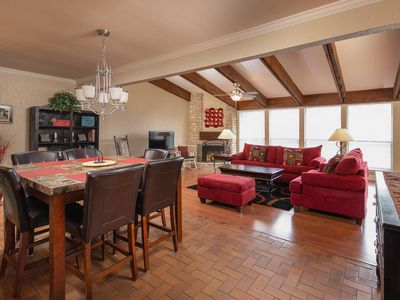 Photo for Awesome 2/2 condo with pool and tennis court access! Sleeps 7!