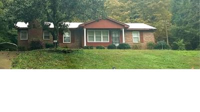 Photo for 3 bedroom pool home walking distance to Lake Guntersville sunset trail