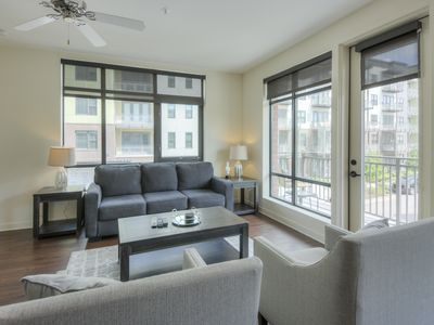 Photo for Luxurious Large 2 bed 2 bath Downtown Condo-Corner Unit #204