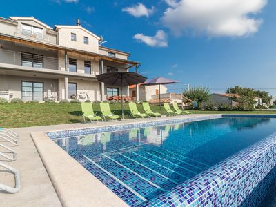 Photo for Designer Holiday Villa2M with infinity pool,  cinema, gym and bar area!