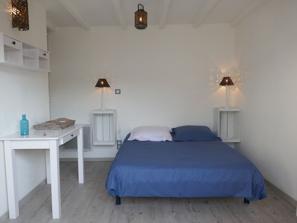 chambres d 39 hotes sur l 39 ile d 39 oleron plage 800m domino charente maritime 1067512 abritel. Black Bedroom Furniture Sets. Home Design Ideas