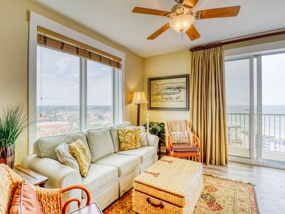 Photo for Cozy Grand Panama condo with private patio and onsite amenities.