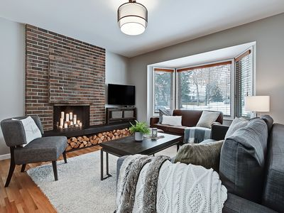 Photo for Cozy Canadiana - Bungalow sleeps 9, Pets Welcome!