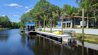 Photo for Fanning springs,private boat ramp,fishing,dock,kayaks,peddle boat,fire pit,games