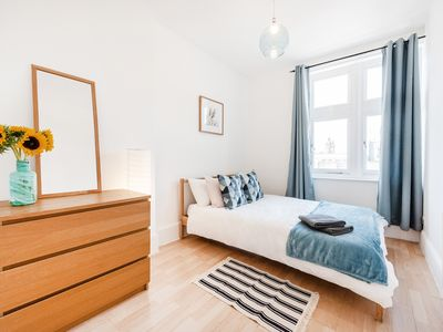 Photo for ER 3 · Spacious apartment next to Marble Arch & Hyde Park