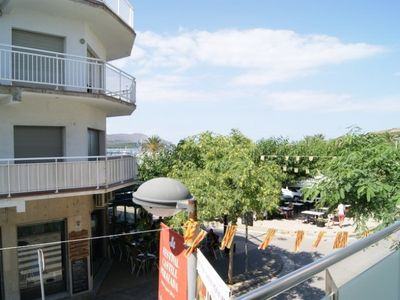 Photo for Nice and comfortable apartment in the port and 50m from the beach.