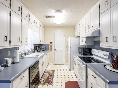 Photo for A Cozy Home with a 2 Car Garage and extra parking. Quiet cul-de-sac.