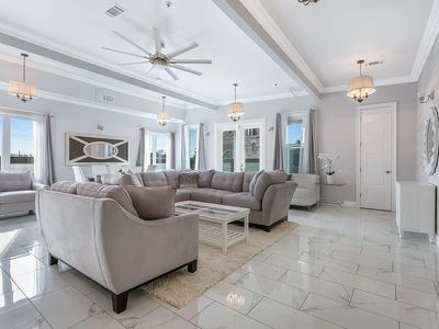 Photo for Brand New 5BD Luxury Penthouse in NOLA
