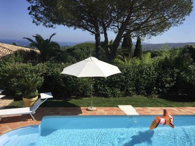 Villa with swimming pool, 2.5 km from the beach and St. Tropez center, garden, sea view