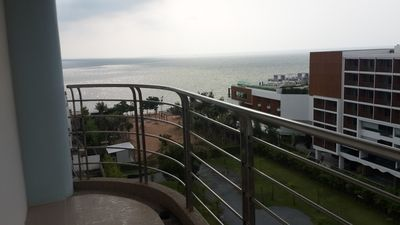 Photo for Great Value 2 bed, Beachfront Apartment