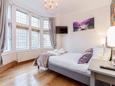 Photo for ** The Best Place To Stay In London ** - TRAF2N AIR