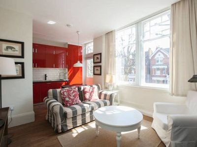 Photo for Modern 1 bed apartment close to Notting Hill