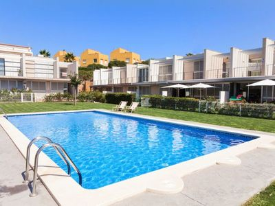 Photo for 3 bedroom Villa, sleeps 6 in L'Ampolla with Pool, Air Con and WiFi