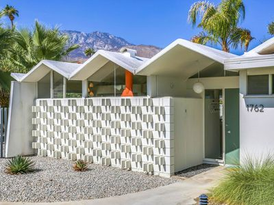 Photo for Mid-Century enthusiasts look no further!