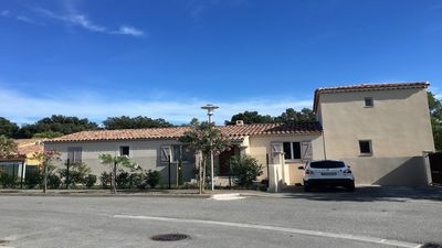 Photo for House 170 m2 with pool near Avignon