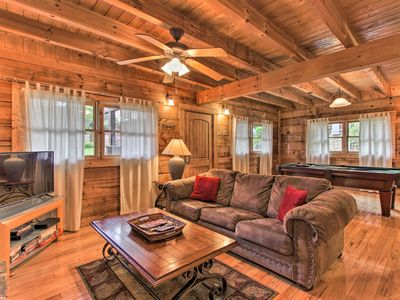 Photo for 'Hadley's Hideaway' Pigeon Forge Cabin w/Hot Tub!