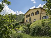 Unforgettable Tuscan holiday staying in a wonderful, characterful house and garden with lovely views