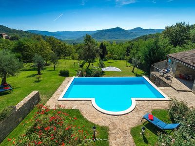 Photo for Beautiful stone villa with private pool in Motovun