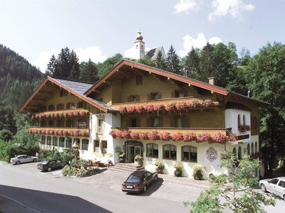 Photo for Double room with extra bed; Shower od. Bathroom, WC - Salzburger Hof, Hotel